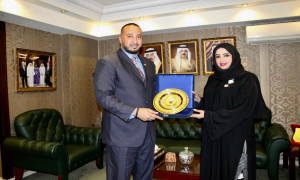 Cultural Attaché at the Embassy of the Kingdom of Bahrain in Cairo Honors the Gulf Air Country Manage in Egypt